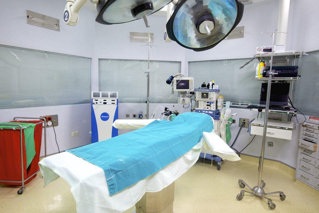 病院内の手術室
