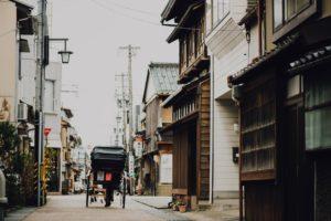 木造建築物が目立つ日本の景観